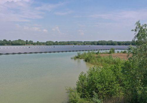 Drijvend zonnepark Uivermeertjes geopend
