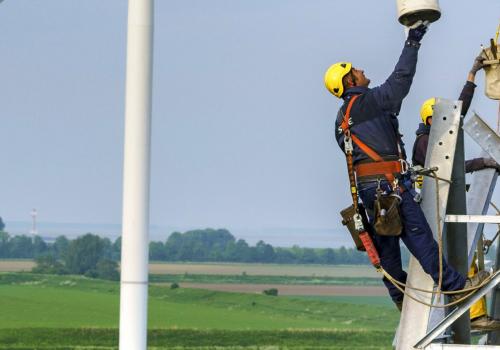 Hoogspanningsnet in Gelderland en de Flevopolder bereikt grens voor teruglevering van elektriciteit