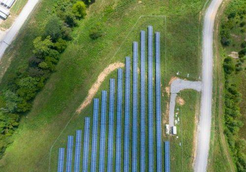 Zonnepark in gemeente Zutphen helpt mensen met laag inkomen aan groene stroom